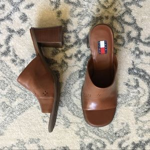 Tommy Hilfiger Clogs Brown Leather Mules Size 10